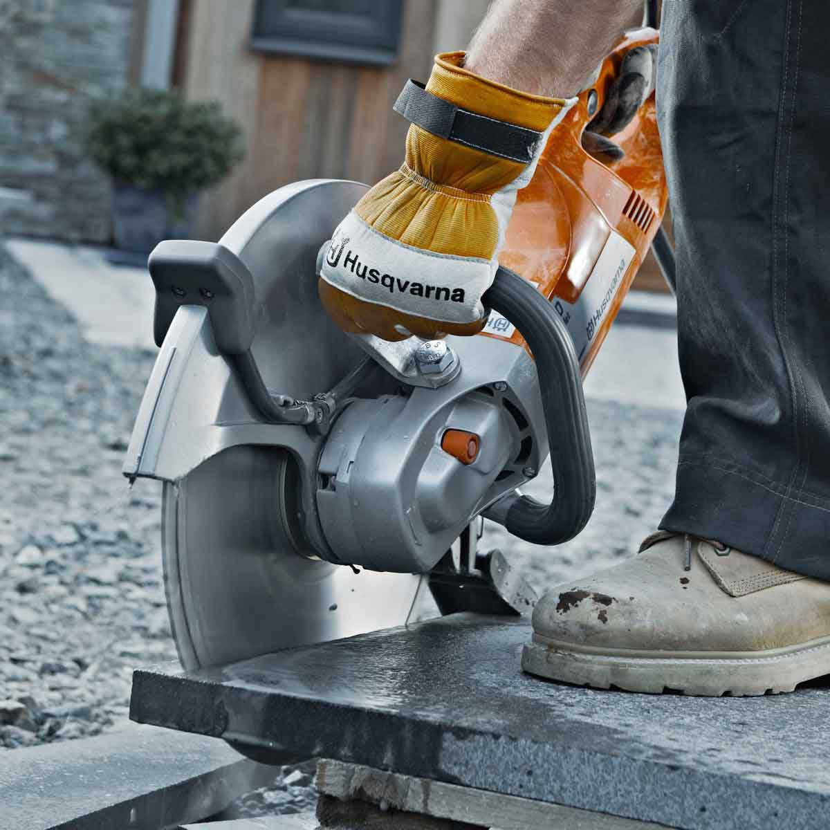 Husqvarna K3000 Wet cutting granite