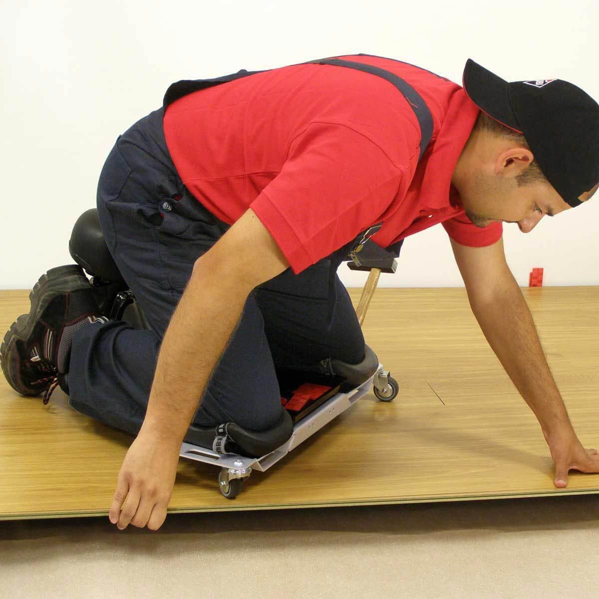 rubi SR1 Knee Pad wood floor