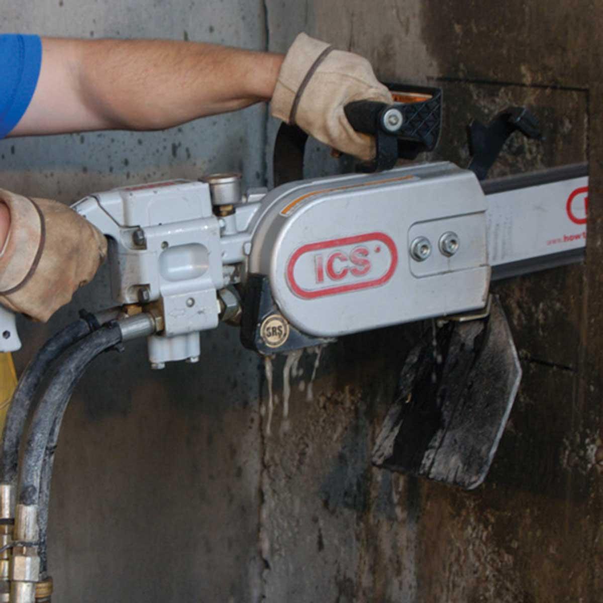 ICS Hydraulic Chain saw wall cut