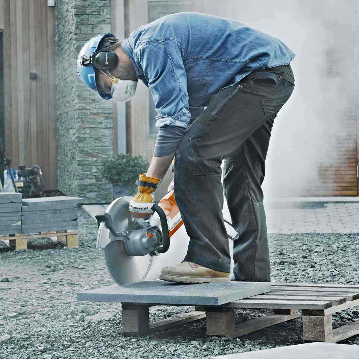 Husqvarna K3000 dry stone cutting