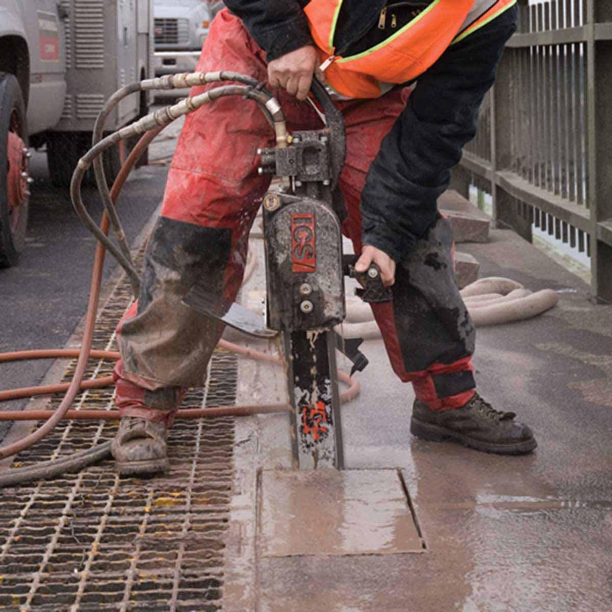 ICS 890F4 Hydraulic Concrete cut