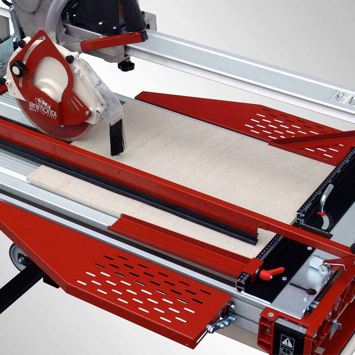 Raimondi Rail saw folding extension table and 90 degree left square