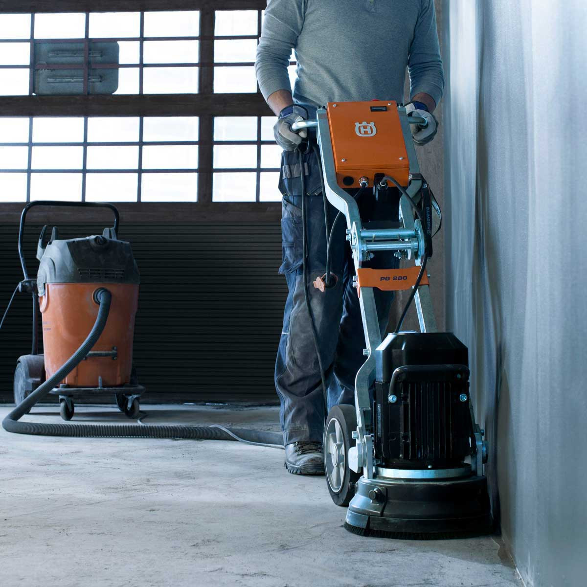 Husqvarna PG 280 wall edger action