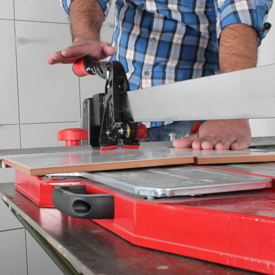 using rubi tp tile cutter