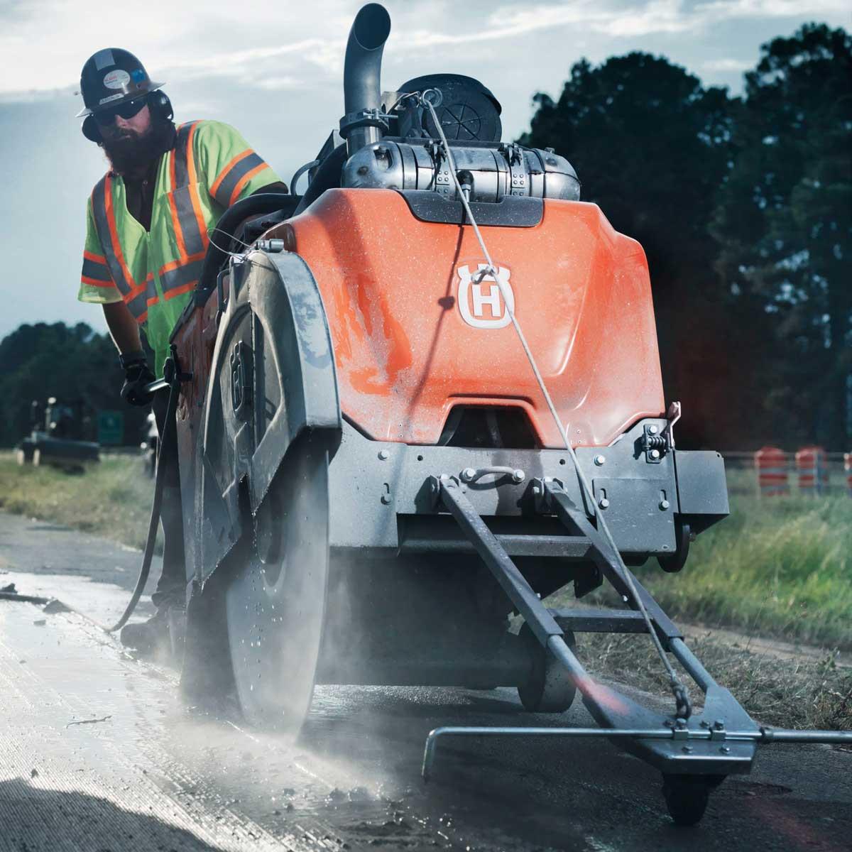 Husqvarna FS 7000 road sawing