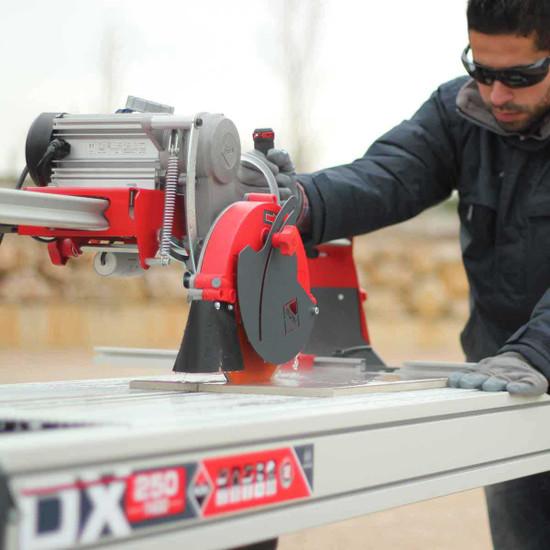 Rubi DX250-1000 rail saw wet cutting tile