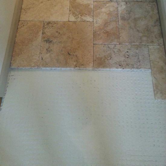 Laticrete strata_mat with tile
