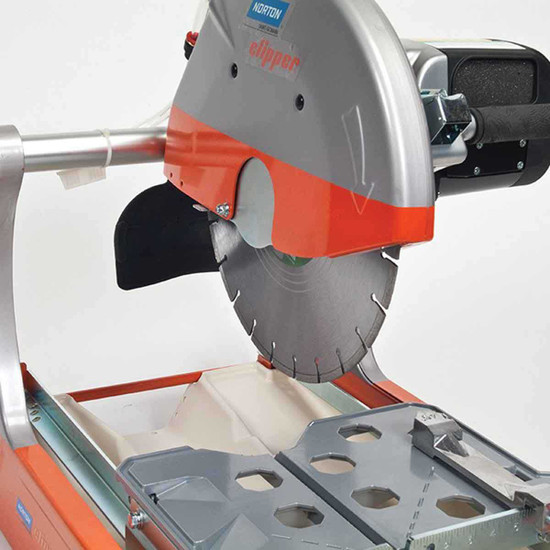 Clipper BBM307 Masonry Saw with Diamond Blade