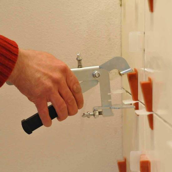 raimondi rls wall tile installation with pliers leveling tile