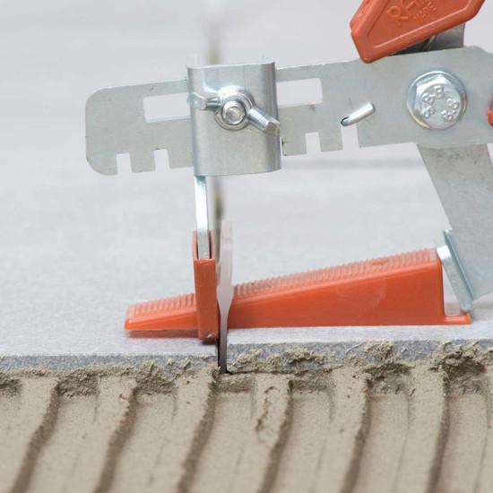 raimondi RLS floor pliers leveling porcelain tile into mortar
