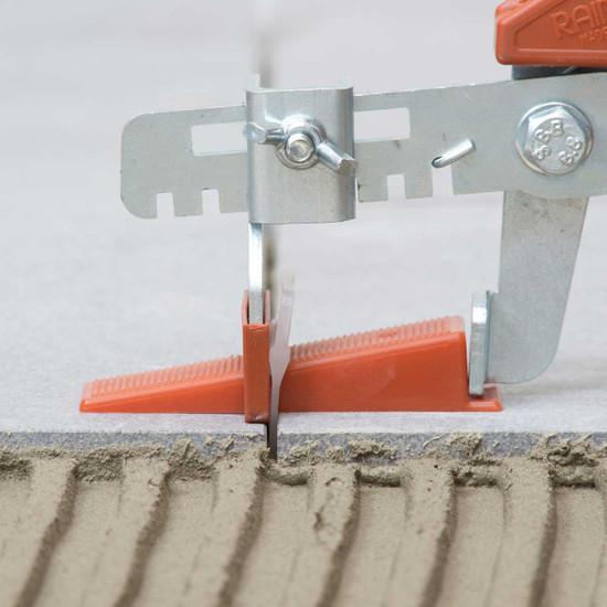 raimondi rls kit floor pliers push wedge into the leveling clip