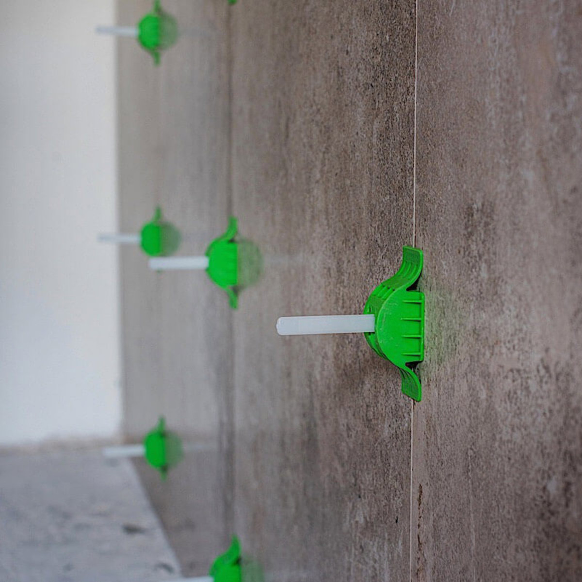 mlt t1 straps wall level bathroom