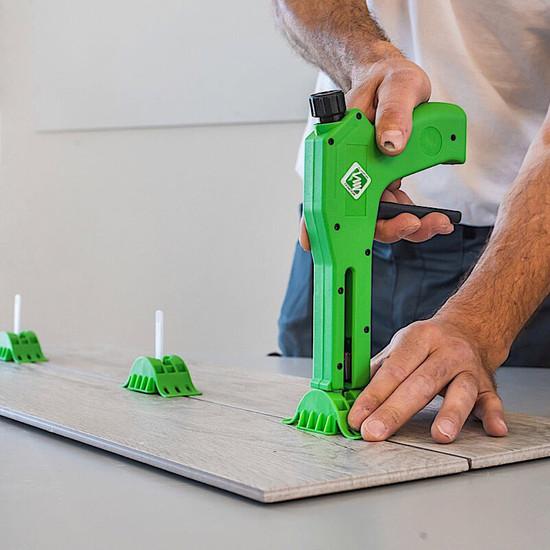 MLT Leveling Gun floor tile level