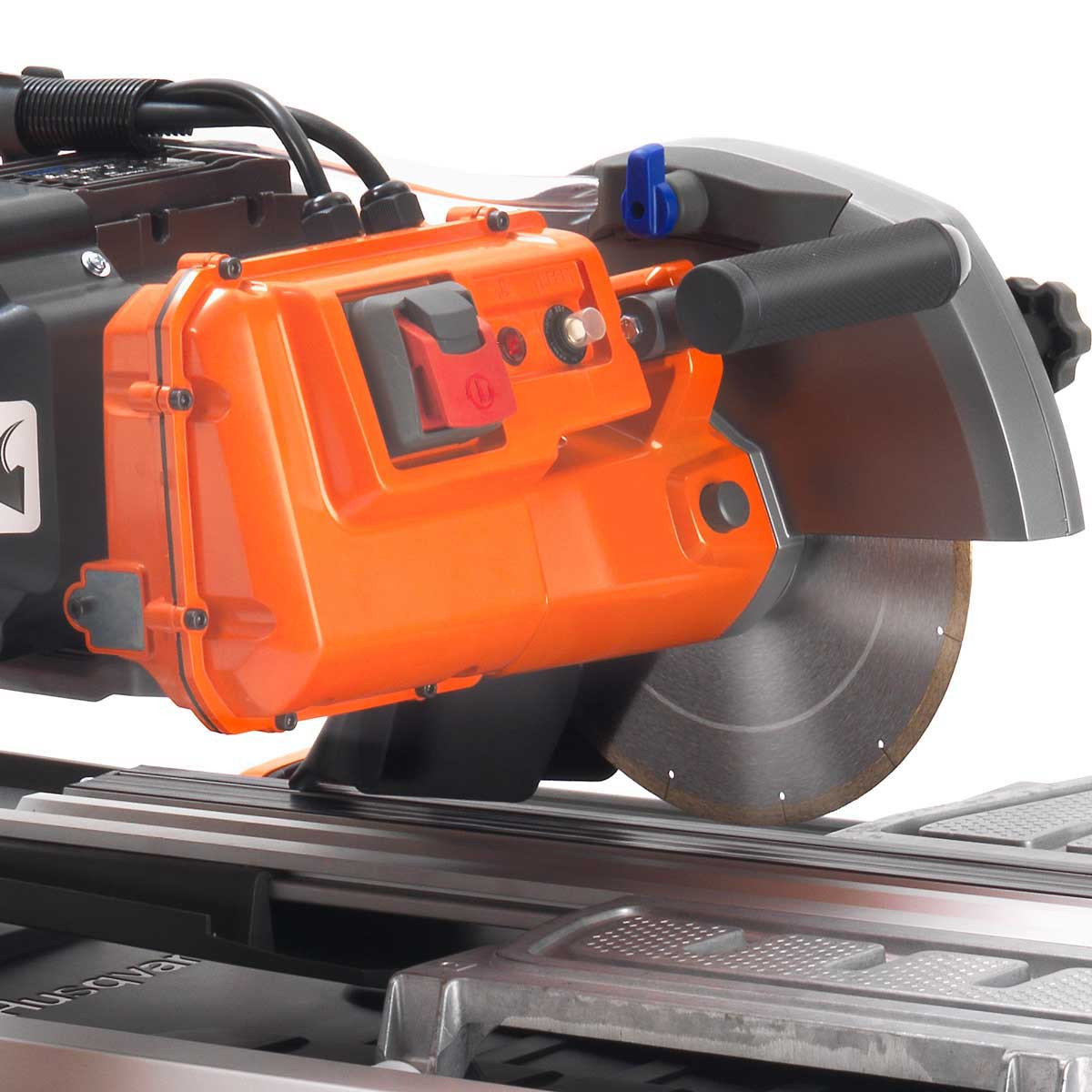 husqvarna ts90 tile saw close up