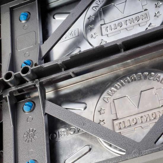 Patented die-cast aluminum plus nickel-plated steel frame Reconditioned Montolit Masterpiuma 93P3