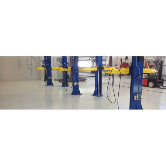 9355-0003-2 Floor of Laticrete Epoxy with Diamond Additive