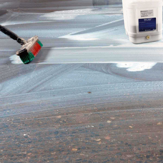 GM3000 Fills Small Pin Holes in Concrete