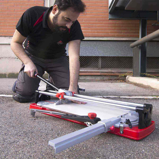 rubi tr magnet tile cutter in use