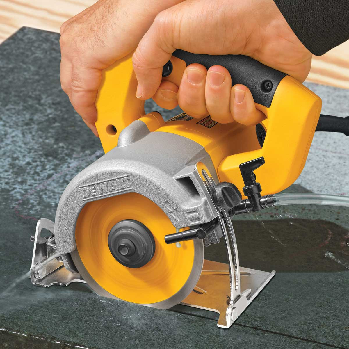 DWC860W Tile Saw Dry cutting porcelain