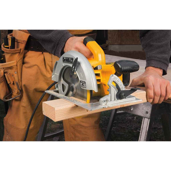 Dewalt Wood Cutting Saw