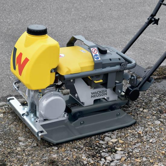 "Wacker Neuson AP1850we 19.7"" Single Direction, Battery Operated Vibratory Plate soil compacting"
