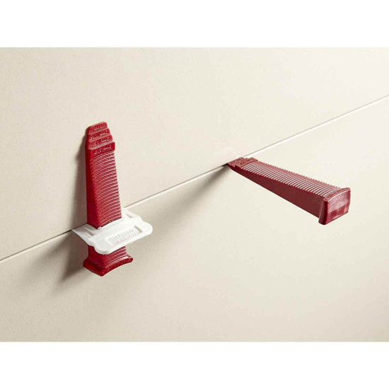 Perfect Level Master clips. clip ensures your tile installation to be quick and seamless