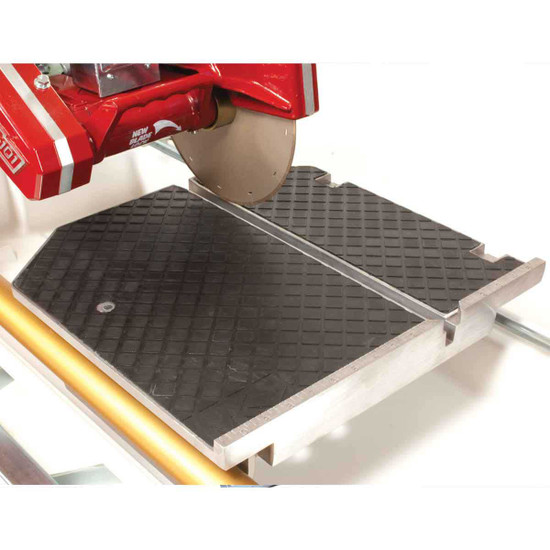 MK 101 Pro24 tile saw with large cutting table