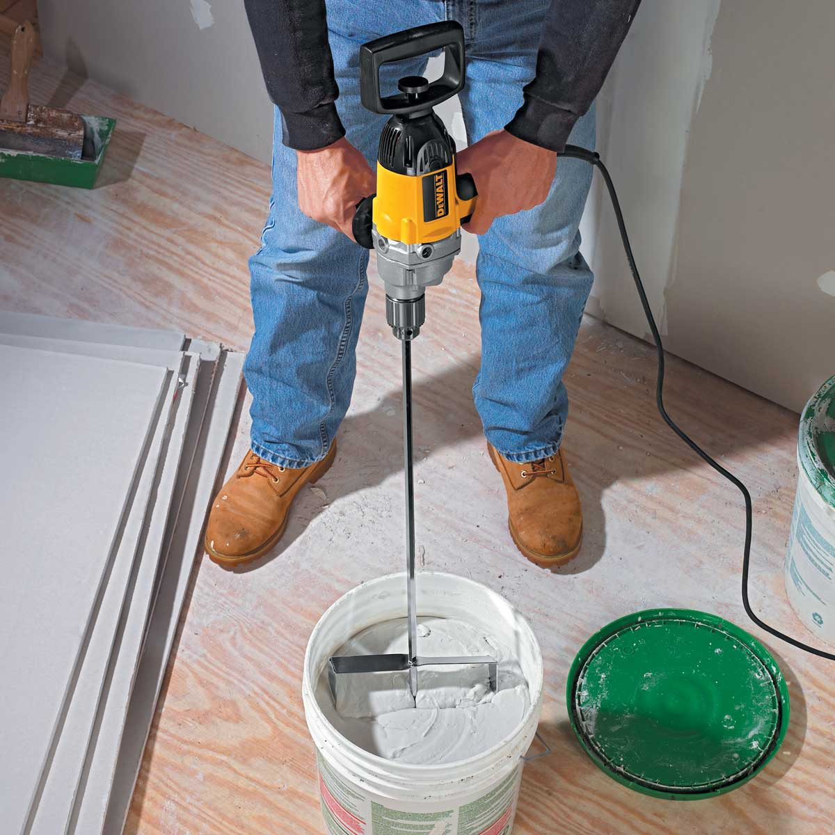 Dewalt Variable Speed Mixing Drill action