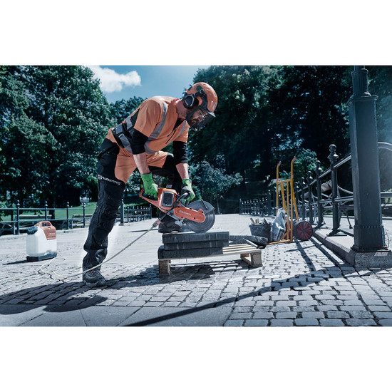 Cutting Landscape Pavers with Husqvarna K535i Power Cutter