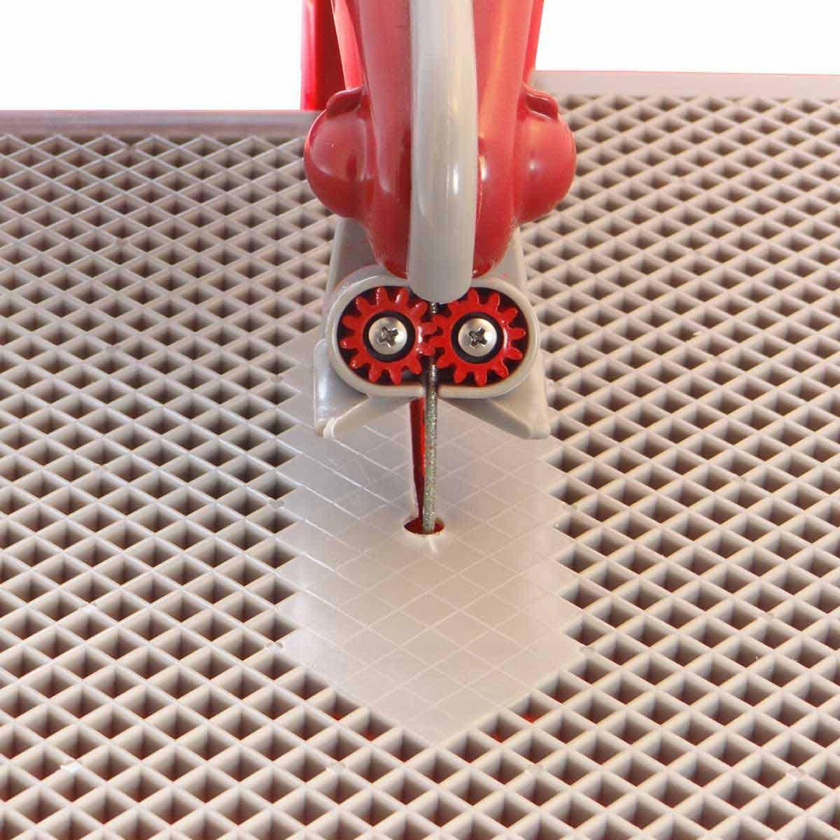 Red gear grommet on diamond ring blade