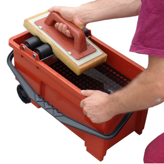 Raimondi Skipper Grout Cleaning System rollers to rinse sponge