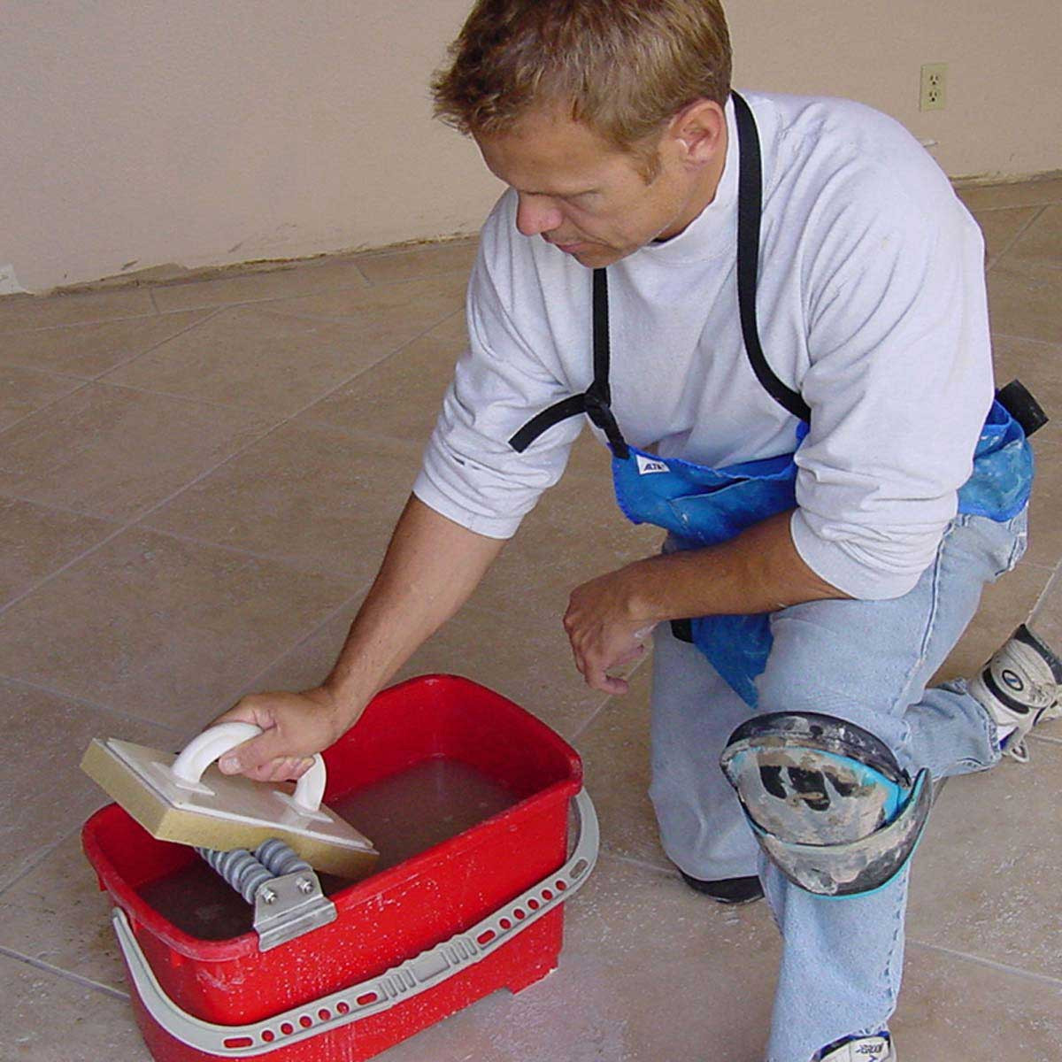 Grout Caddy Cleaning System action