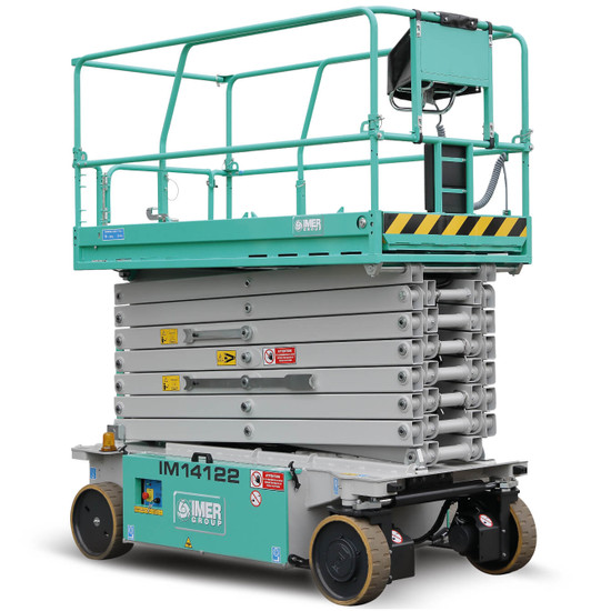 IM scissors ensure the maximum capacity in both the platform and on the manual deck extension. Delivering traction and stability at maximum height, even with two workers on the fully extended