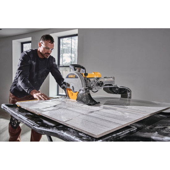 Wet cutting large format porcelain tile with Dewalt D36000