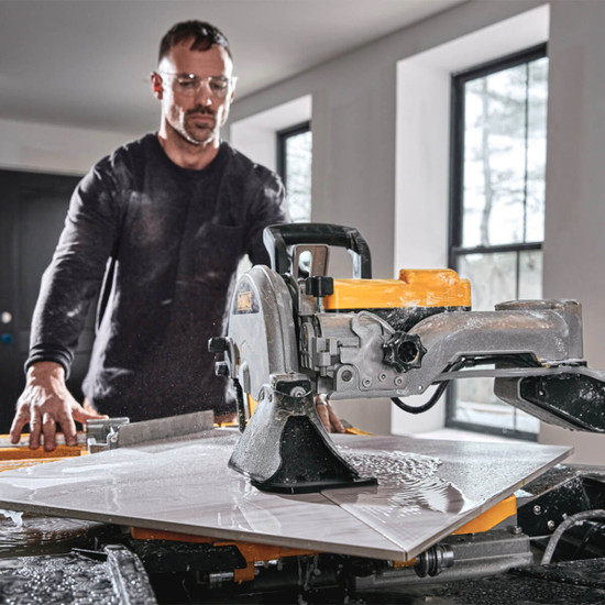 Cutting large porcelain tile diagonally with Dewalt D36000S