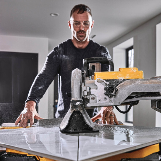 Dewalt D36000S can cut porcelain tile on a diagonal