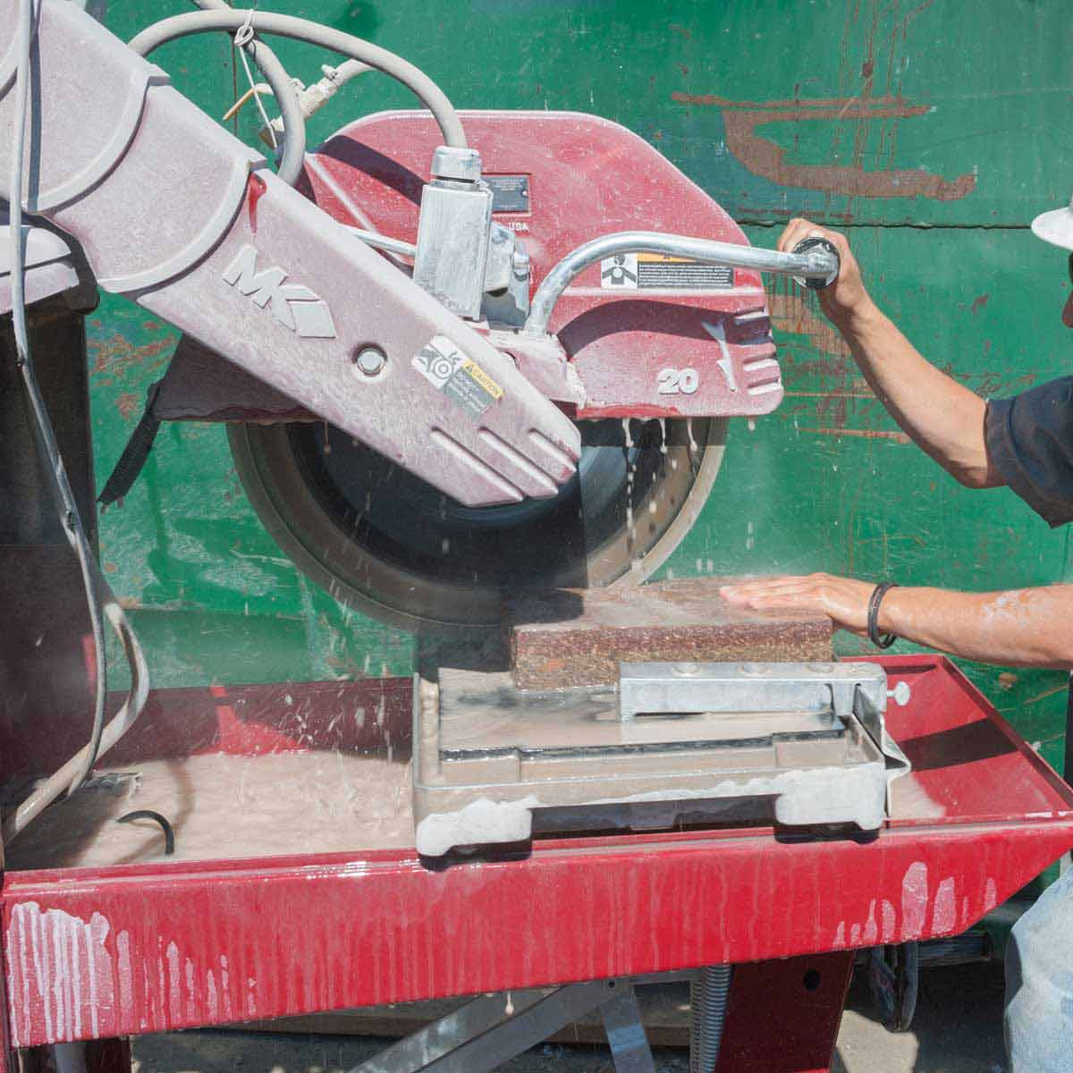 cutting with mk diamond 5009g block saw