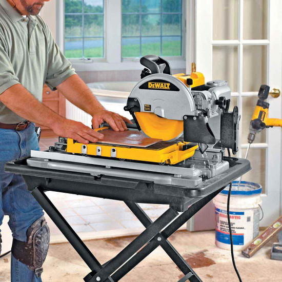 Dewalt D24000 Tile Saw cutting tile