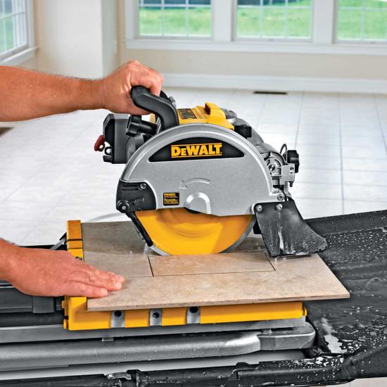 Dewalt Tile Saw plunge cutting tile