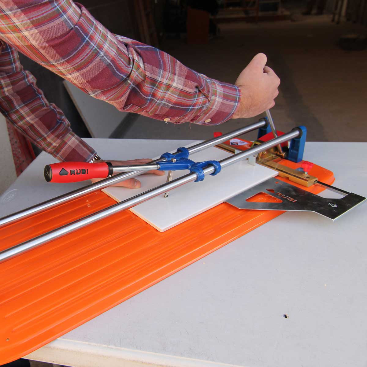 Rubi TS tile cutter scoring