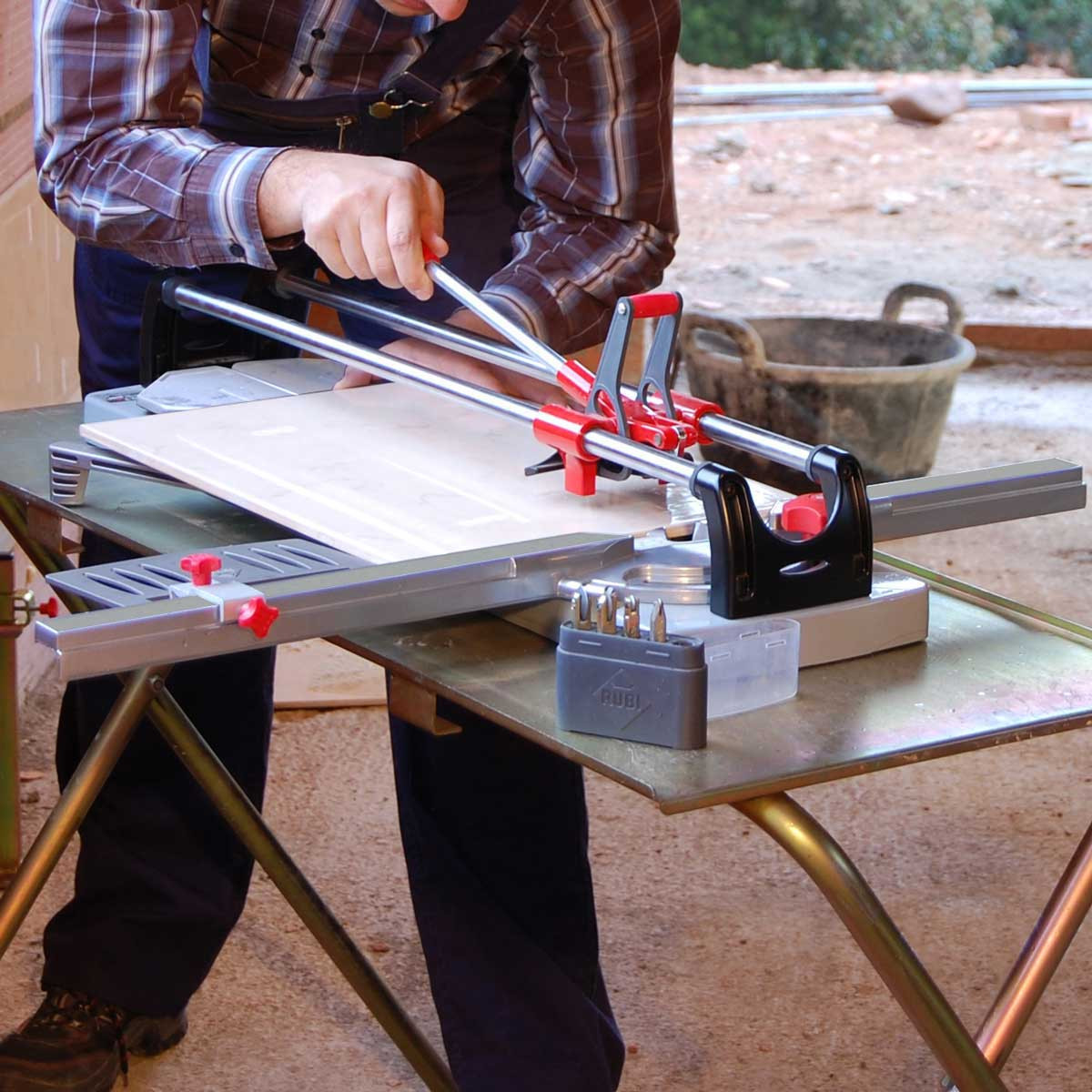 cutting tile with rubi tr-600