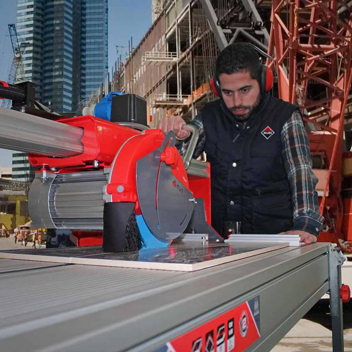 Rubi DS-250 rail saw cutting tile