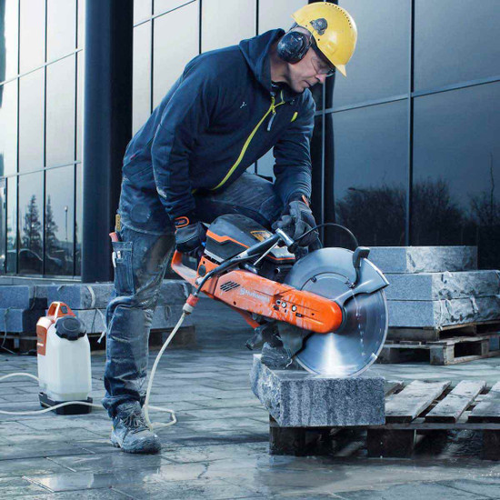 Cutting Natural Stone with Husqvarna K970