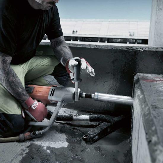 Husqvarna DM230 floor drilling