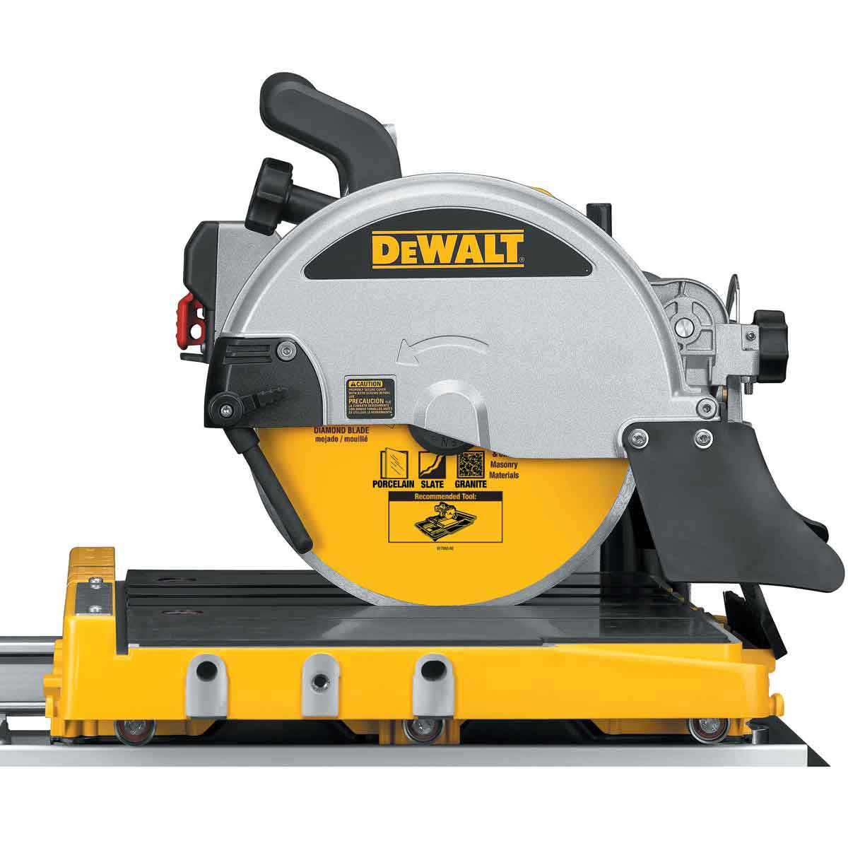 side view of d24000 saw