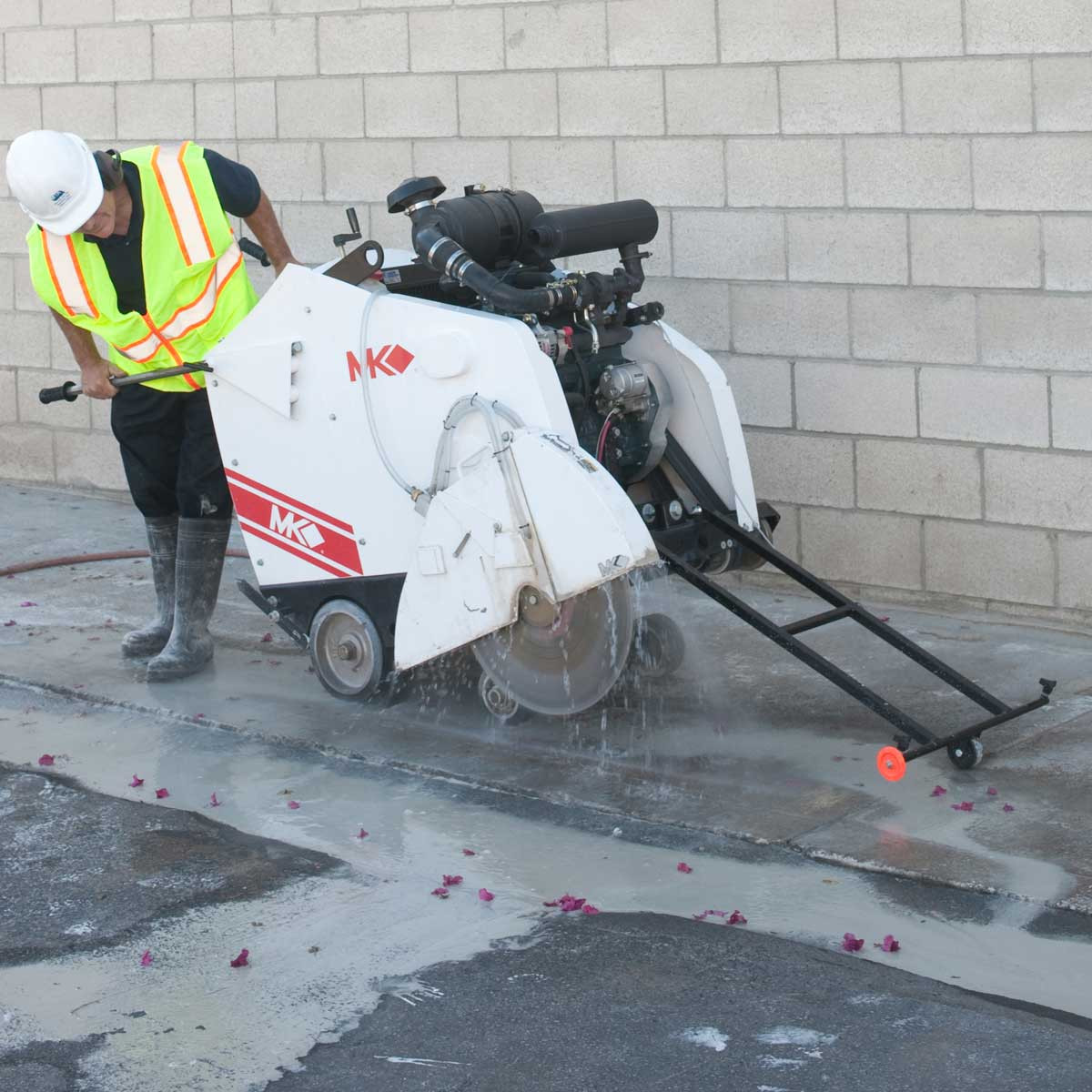 MK Self-Propelled Concrete Sawing