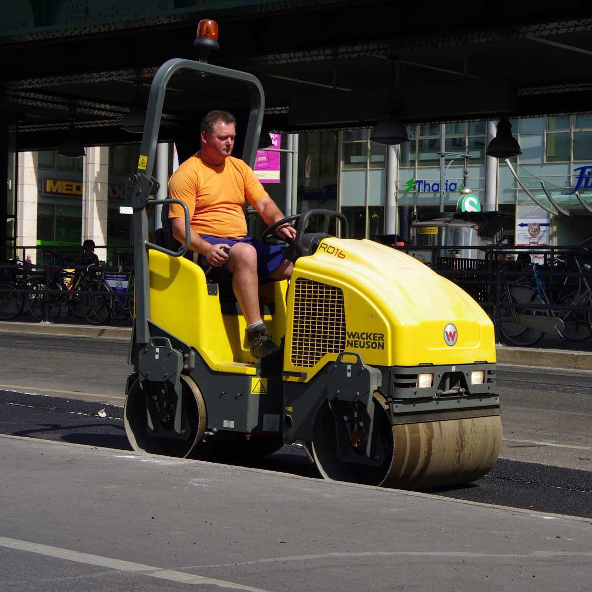 Wacker Neuson roller asphalt work