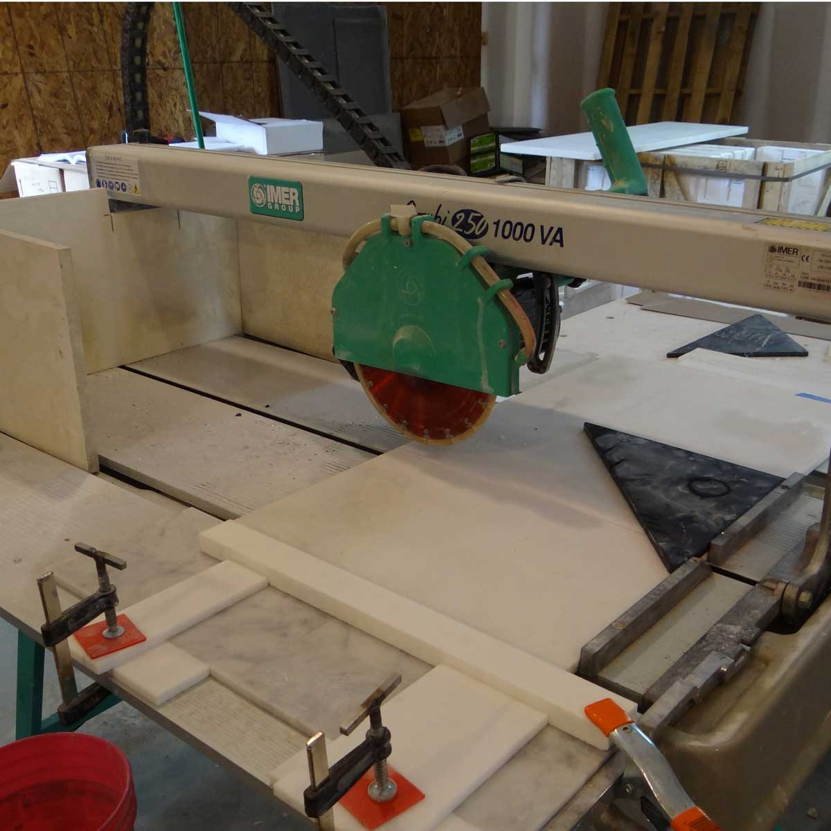 Imer Combi 250/1000VA wet tile saw cutting diagonal