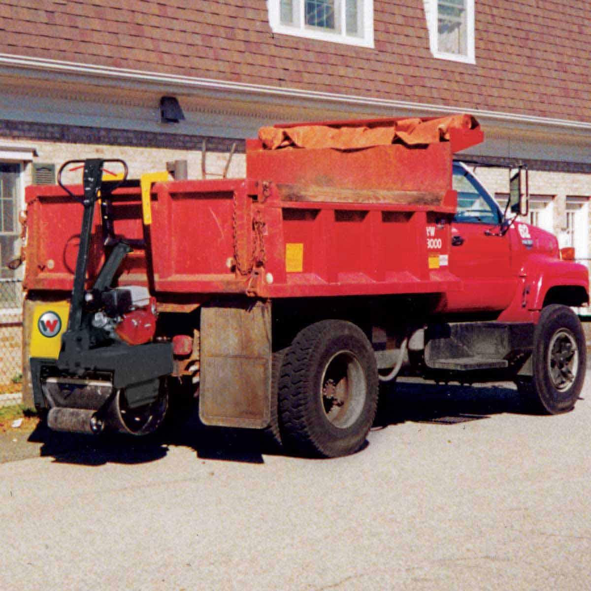 Wacker Neuson roller truck attached