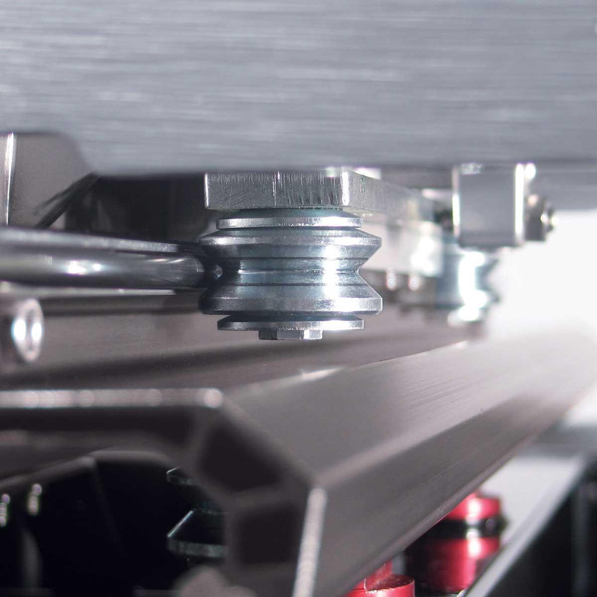 Pearl Metal Roller in Rail Saw cutting head